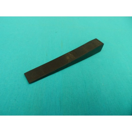 Rubber wedge mute