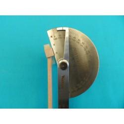 Herramienta para medir ángulos en martillos