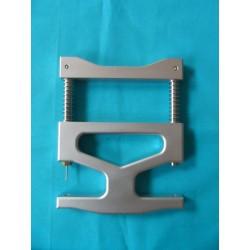 Center pin repinning plier