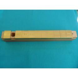 Center pin holder